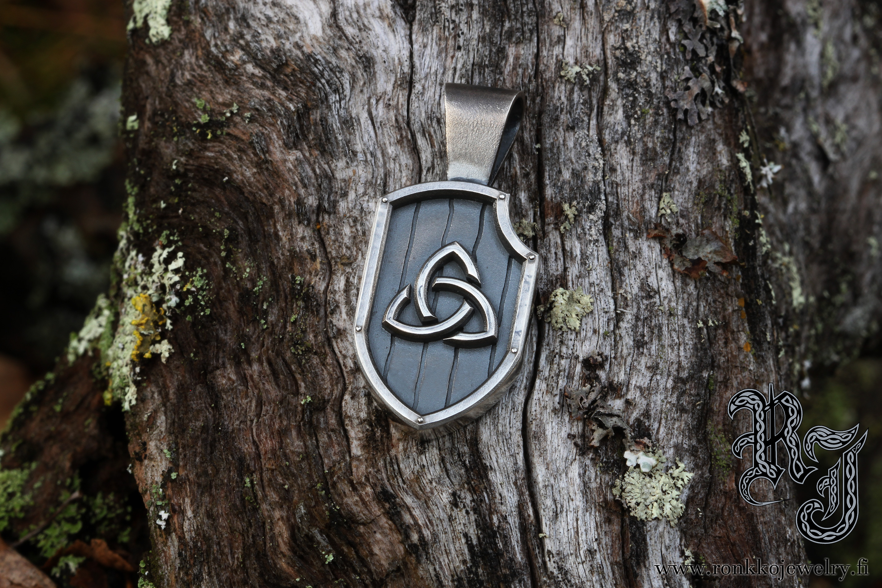 celtic_triknot_pendant1