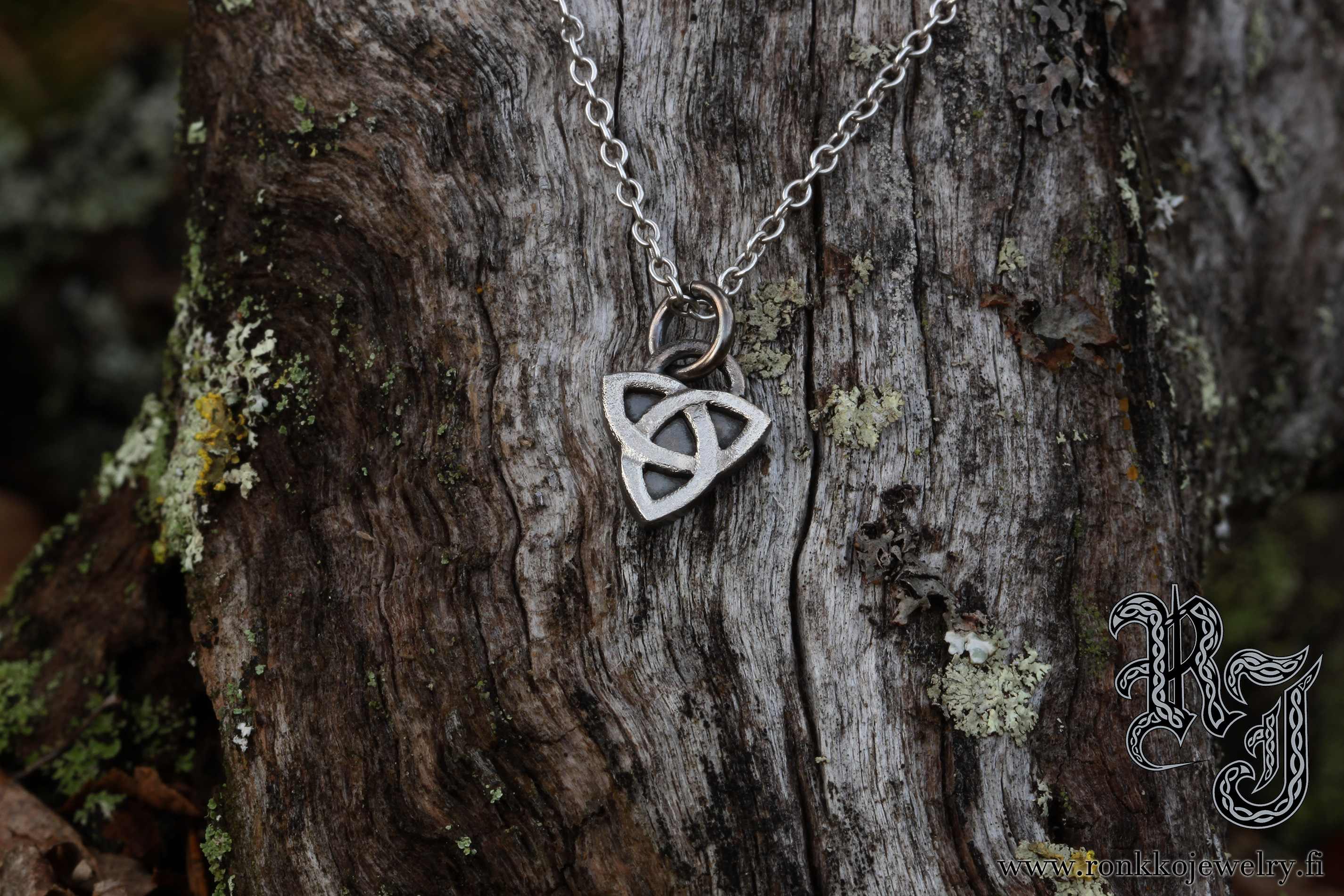 celtic_triknot_pendant_small1