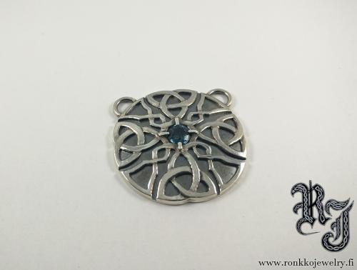 Celtic pendant, spinel from Sri Lanka