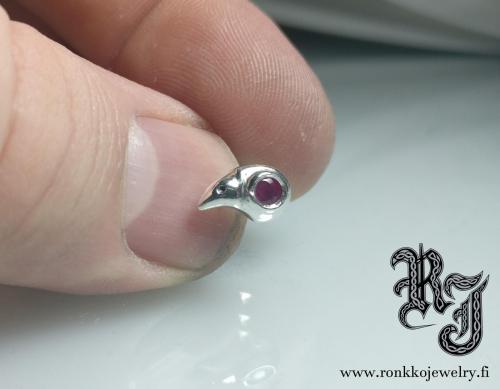 Bird skull earring, 3mm rubies